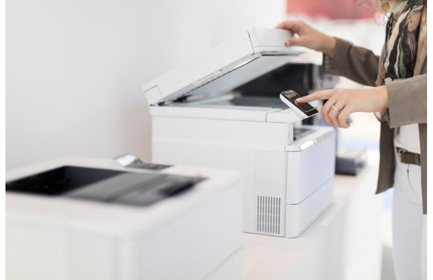 Jak wybrać kserokopiarkę do małego biura?